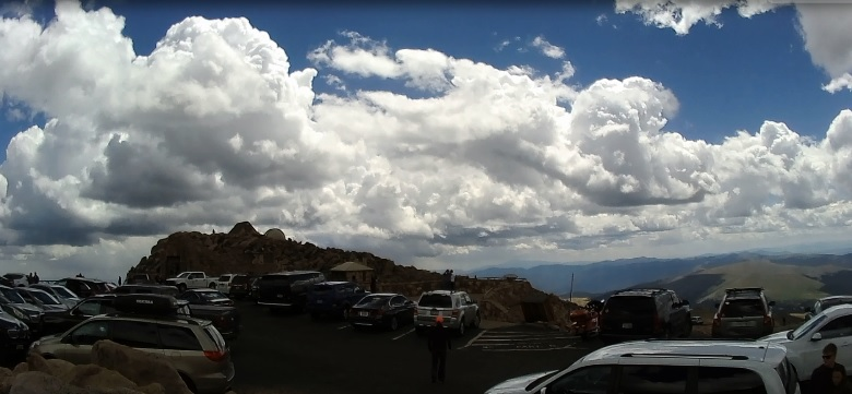 mt-evans-koncowy-parking.jpg