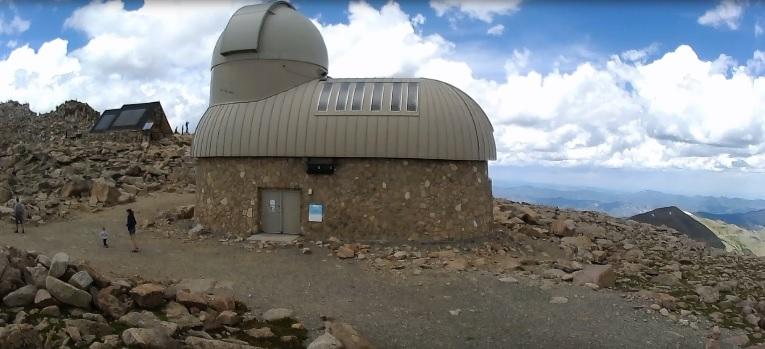 mt-evans-obserwatorium-na-wysokosci-4315m.jpg